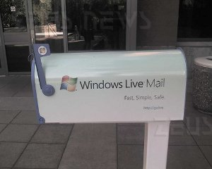 Microsoft Windows Live Hotmail privacy bug