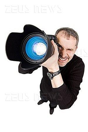 Fermato perché senza licenza di fotografare