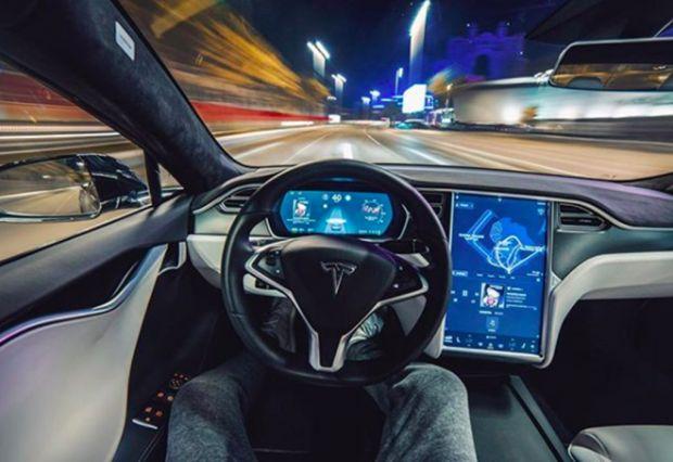 tesla auto autonoma 2019