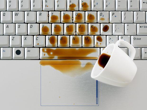 tastiera liquidi polvere