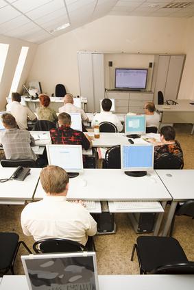 Scuola computer indagine Adiconsum LIM