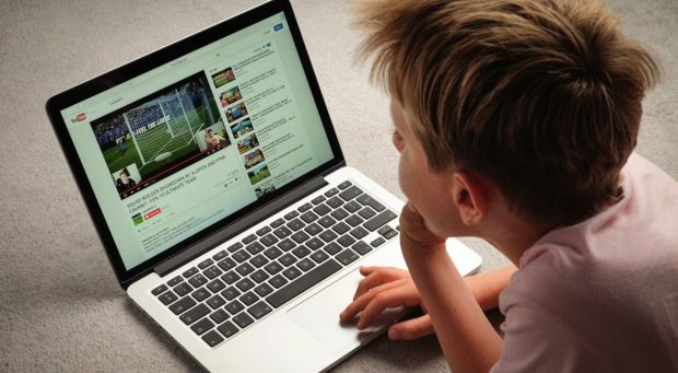 youtube disattiva commenti minore