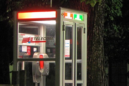 torino cabine telefoniche intelligenti