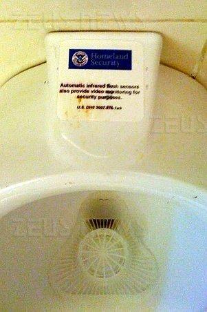 Telecamere nei bagni dell\'aeroporto? - Zeus News