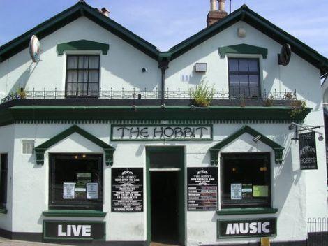 the hobbit pub cambio nome
