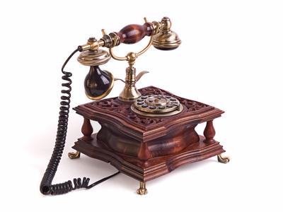 Telecom elimina fasce orarie aumenta canone
