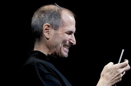 Apple Wall Street calo 2% dimissioni Jobs CEO Cook