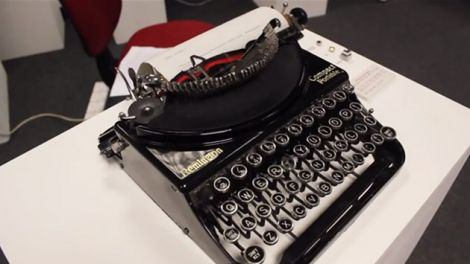 typewriter dico