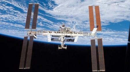ISS detriti spaziali minaccia capsule Soyuz