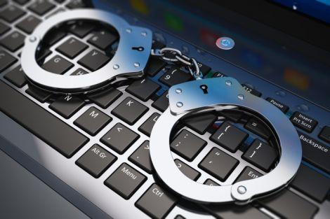 pirateria prigione uk 10 anni