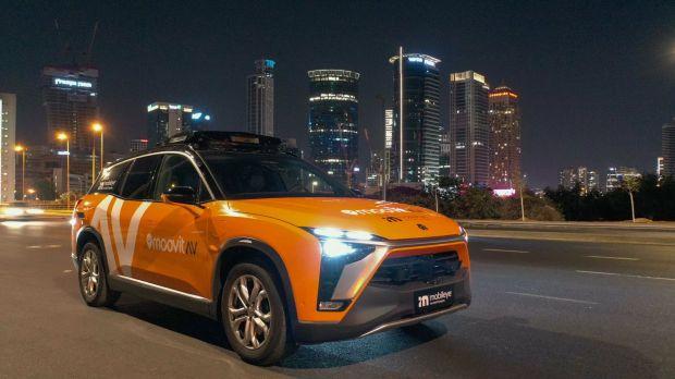 taxi autonomi intel