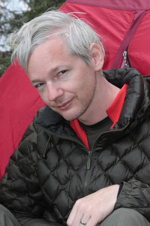 Assange autobiografia 1,5 milioni di dollari