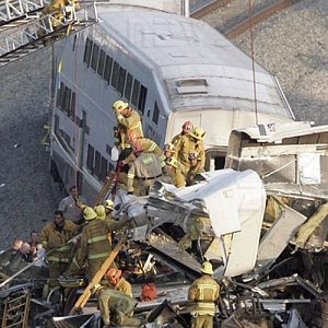 Los Angeles scontro fra treni macchinista Sms