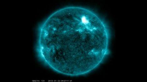 eruzione solare nasa