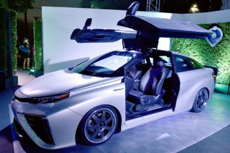 toyota mirai back to the future 02