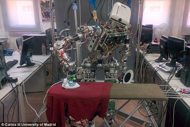 teo robot stira