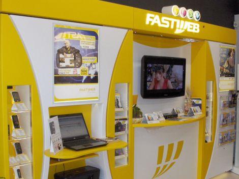 Fastweb esternalizza 700