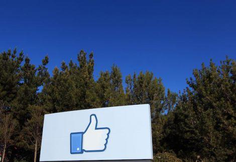 facebook alza prezzo azioni