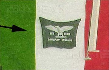 Bandiera con simbolo fascista