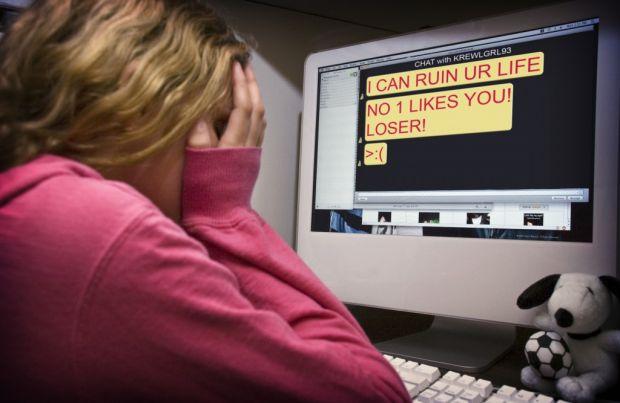 facebook bullismo molestie online