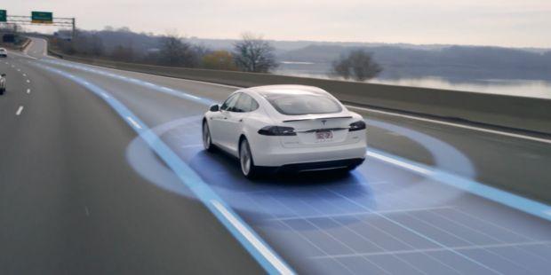 Elon Musk, le Tesla saranno autonome entro fine anno