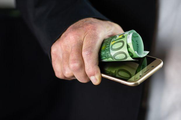 Malware negli smartphone a basso costo ruba dati e denaro