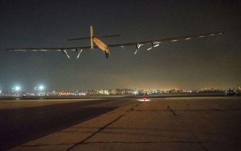 Solar impulse 2 arriva Abu Dhabi