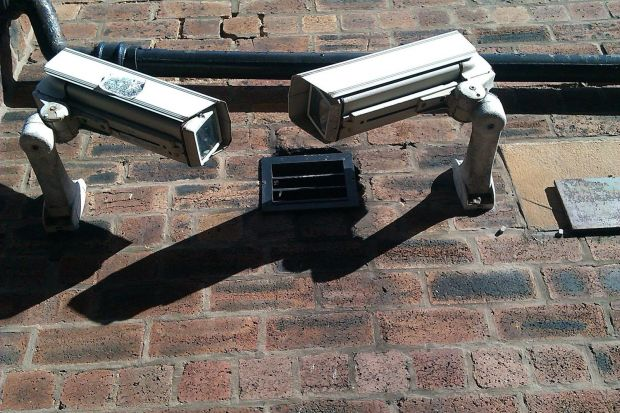 mosca poliziotti vendita telecamere