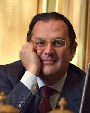 Roberto Cassinelli tre schiaffi Hadopi Francia p2p