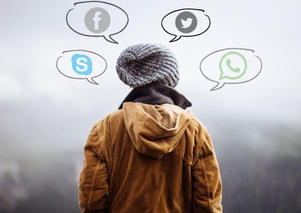 whatsapp facebook regole privacy
