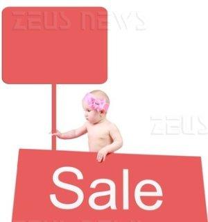 Il bambino messo all'asta su eBay