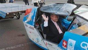 Louis Palmer SolarTaxi giro del mondo auto solare