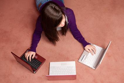 Adolescenti Internet Queen's University