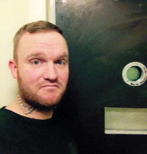 Detenuto posta recensione della prigione come in TripAdvisor, l'ira della polizia