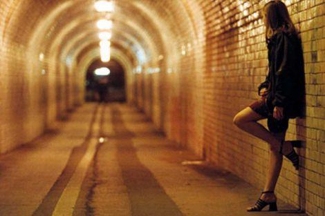 linkedin bandisce prostitute