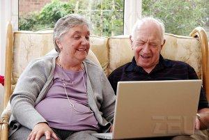 Internet aumentano utenti Senior Nielsen