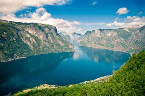 fiordo norvegia crema solare batterio