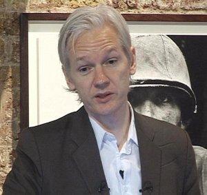 Julian Assange Wikileaks finanziamenti Germania