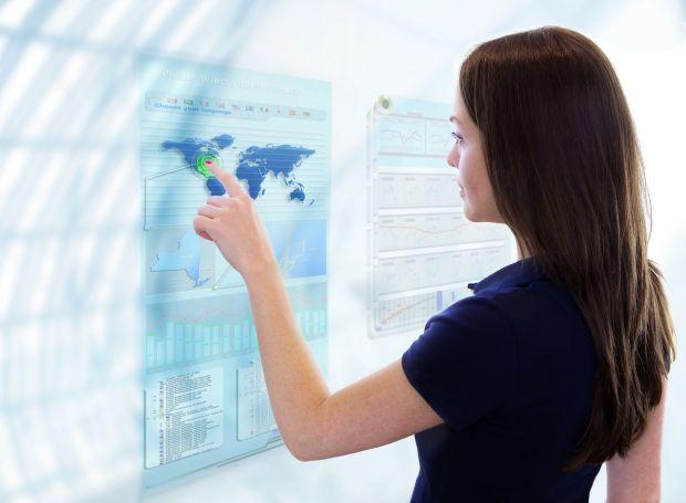 Women in ICT brunette