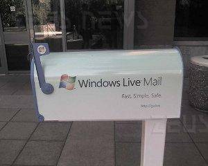 Microsoft Windows Live Hotmail privacy bug