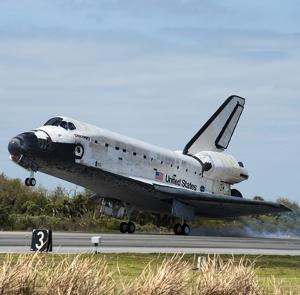 Shuttle Discovery rientro pensione museo