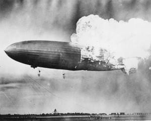 hindenburg disastro 75 anni