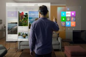 windows holographic 2017